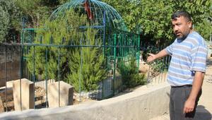 Şanlıurfa'da şehit mezarlarının demir korkuluklarını çaldılar