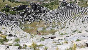 Sagalassos Antik Kentine turist ilgisi