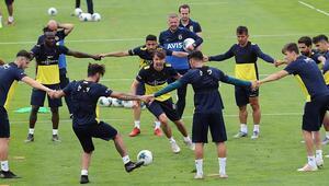 Fenerbahçede yeni sezon hazırlıkları sürüyor