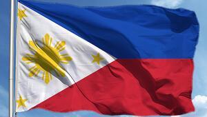 Filipinlerde uyuşturucuyla mücadelede suç işleyen polislere ceza