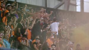 Galatasaray taraftarları isyan etti! 'Tarihe geçti'