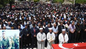 Şehit Uzman Onbaşı Ünalı son yolculuğuna 5 bin kişi uğurladı
