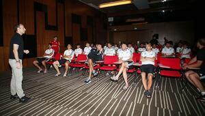 Beşiktaşlı futbolcular VAR protokolü konusunda bilgilendirildi