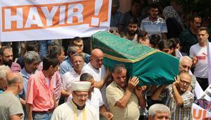 Ailesi ve yakınlarından cenazede pankartlı tepki