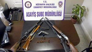 Kütahyada ruhsatsız silah operasyonu: 8 gözaltı