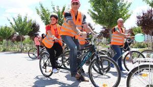 Görme engellilerin bisiklet heyecanı