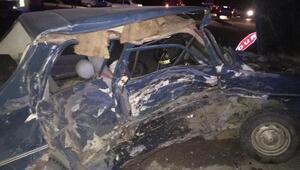 Çorumda otomobiller çarpıştı: 2 ölü, 2 yaralı