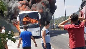 Son dakika... Balıkesirde yolcu otobüsü yandı: Biri çocuk 5 kişi hayatını kaybetti