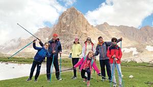 Üç çocukla üç gün üç gecede Toros Dağları nasıl aşılır