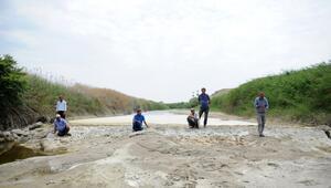 Nehir kurudu çiftçi endişeli