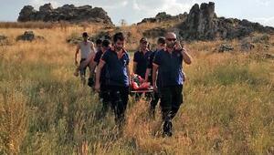 Kekik toplarken kayalıklardan düşüp yaralandı