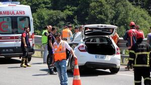 Bolu Dağında TIRa çarpan otomobildeki 2 kişi yaralandı