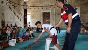 Camilerde, Kuran kursu öğrencilerine trafik eğitimi