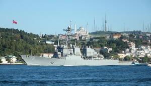ABD savaş gemisi İstanbul Boğazından geçti