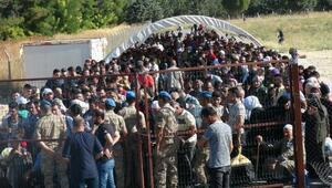 Öncüpınardan bayramlaşmaya giden Suriyeli sayısı 40 bine ulaştı