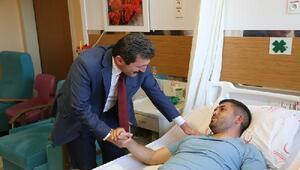 Vali Tavlıdan yaralı astsubaya ziyaret