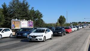 Afyonkarahisar- Antalya karayolunda bayram yoğunluğu
