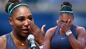 Serena Williams gözyaşlarına boğuldu! Rakibi teselli etti