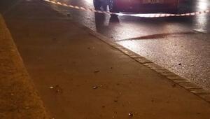 Sultangazide seyir halindeki otomobile ateş açıldı: 1 yaralı