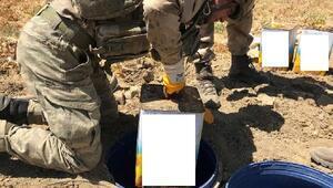 Vanda PKK sığınağında silah ve mühimmat ele geçirildi