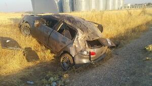 Adıyamanda, şarampole devrilen otomobildeki 5 kişi yaralandı