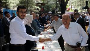 AK Partide bayramlaşma töreni