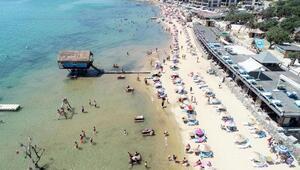 Saros Körfezi sahillerine tatilci akını