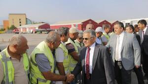 Başkan Büyükkılıç, belediye personeliyle bayramlaştı