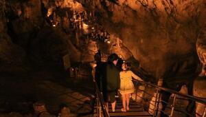 Ballıca Mağarasını bayramda 9 bin 624 kişi ziyaret etti
