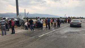 Otomobil ile cip çarpıştı: 3ü çocuk 8 yaralı