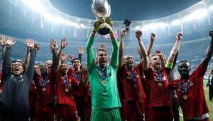 Liverpool, Adrianı sakatlayan taraftarı UEFAya şikayet etti