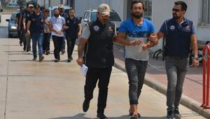 Adanada yakalanan DEAŞlılar adliyeye sevk edildi