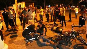Hafif ticari araçla çarpışan motosikletli yaralandı