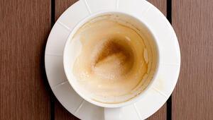 Fincanların dibi çaydan, kahveden sapsarı olduysa…