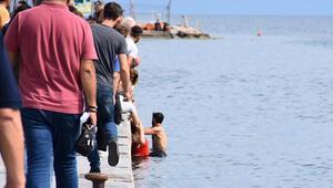 Sinop'ta panik anları! Elektrikli motosikletli 2 kadın denize uçtu