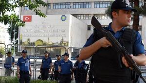 Diyarbakır Büyükşehir Belediyesinde flaş gelişme Yeniden görevden uzaklaştırıldılar...
