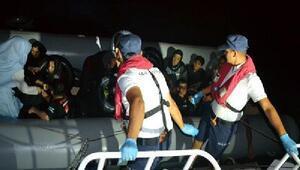 Dikilide 80 kaçak göçmen yakalandı