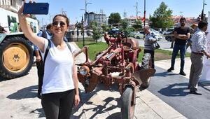 63 yıllık traktör sergide