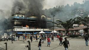 Endonezya'da şiddetli protestolara karşı internete erişim engeli
