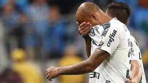 Felipe Melo sahada gözyaşlarını tutamadı!