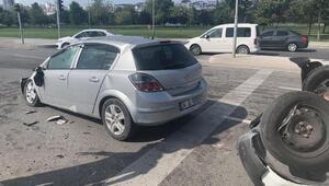 Pendikte takla atan ticari araç otomobilin üzerine düştü: 2 yaralı