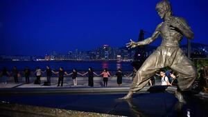 Hong Kong'da Çin'e karşı insan zinciri