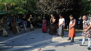 Tuncelide kadına şiddete tepki için erkek etek giydi, kadınlar tespih salladı