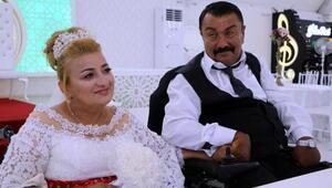 Düğünlerine engelsiz taksi ile gittiler