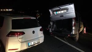 Hafif ticari araç ile otomobil çarpıştı : 5 yaralı