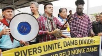 Hasankeyf'i kurtarmak için Amazonlu şef yol kapattı