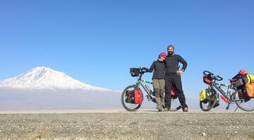 Bisikletle hiç bitmeyecek dünya turuna çıktılar