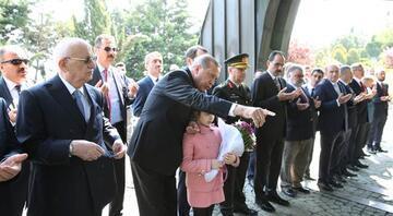 Cumhurbaşkanı Erdoğan, Özal, Menderes ve Erbakanın mezarlarını ziyaret etti