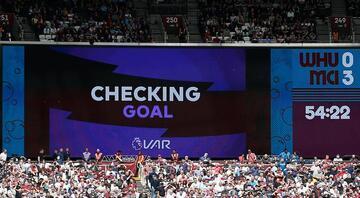 Premier Ligde VAR ilk kez devrede