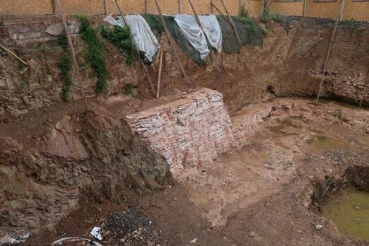 Kadıköyde inÅ?aat kazısında tarihi kalıntılar çıktı
